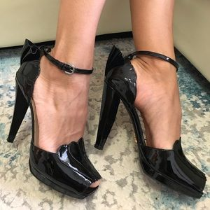 Prada Milano black patent leather pumps size 37